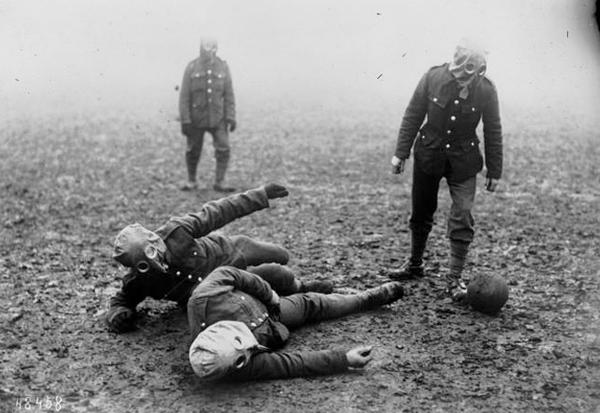 world-war-i-football-match-with-gas-masks